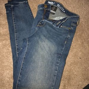 Size 0/R Womens Mossimo Jeans